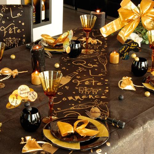 Serviettes, urnes et livre d'or Que la fête commence