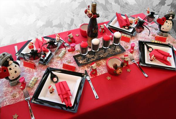 d coration de table no l rouge noir blanc d corations. Black Bedroom Furniture Sets. Home Design Ideas