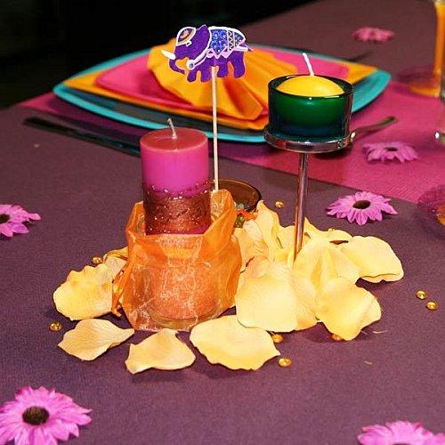 Idée de déco de table : les pétales de roses
