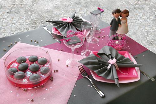 Décoration de table rose et grise - Décorations Fêtes
