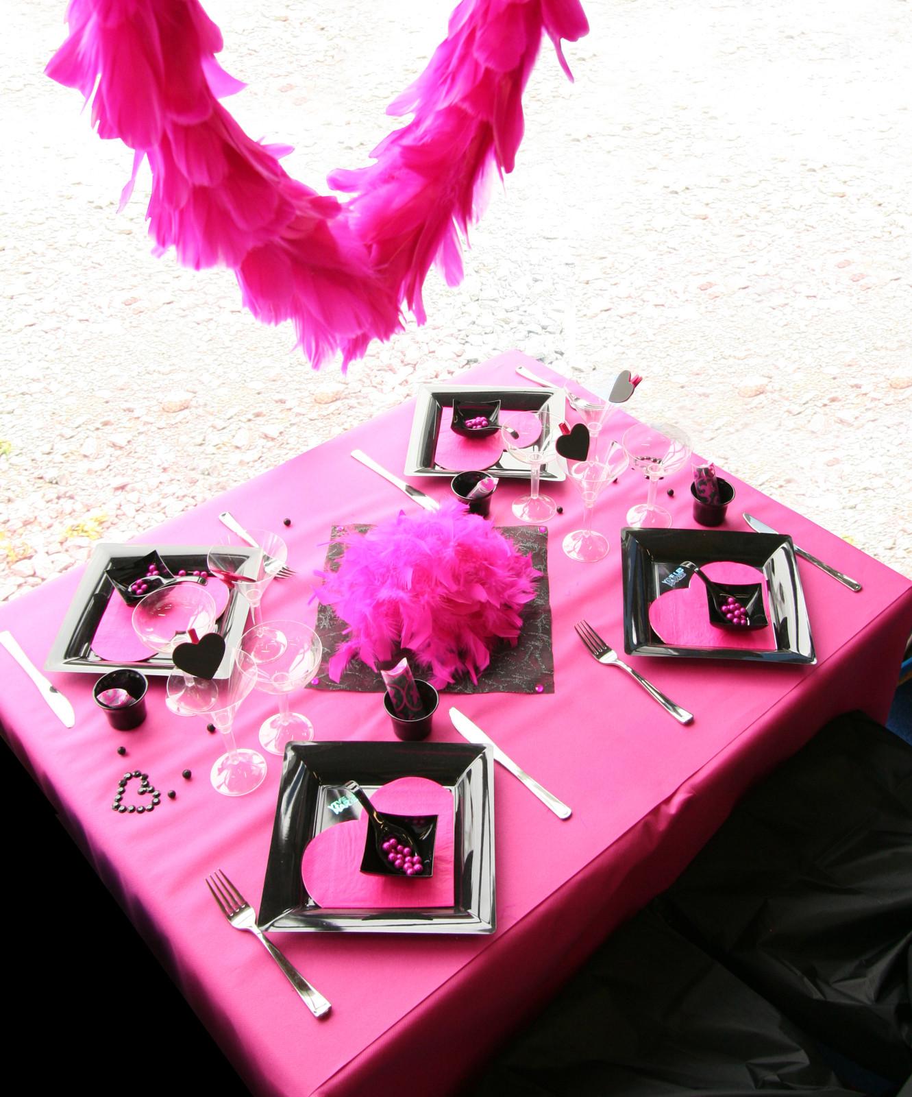 Decoration De Table Fuchsia Et Noir Decorations Fetes