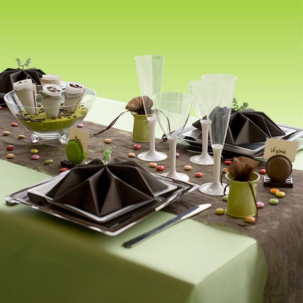 d coration de table vert anis chocolat blanc d corations. Black Bedroom Furniture Sets. Home Design Ideas