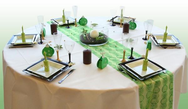 Une décoration de table Sapins & Flocons pour Noël !