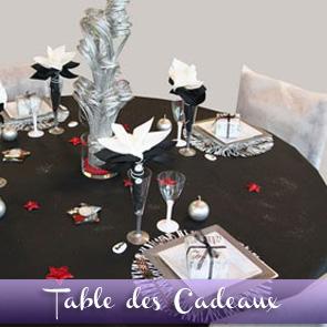 Décoration de table réveillon : noir, argent et rouge