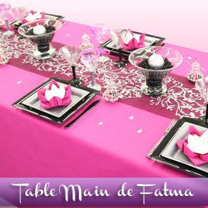 Décoration de table orientale, framboise et noir