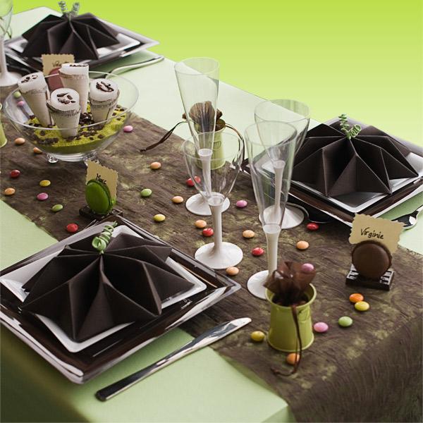 d coration de table vert anis chocolat blanc d corations f tes. Black Bedroom Furniture Sets. Home Design Ideas