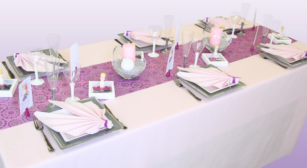 D coration de table communion rose prune et argent for Idee deco 1ere communion