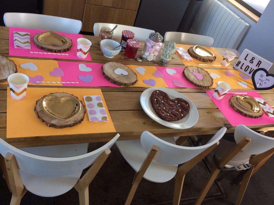 décoration table saint valentin enfant